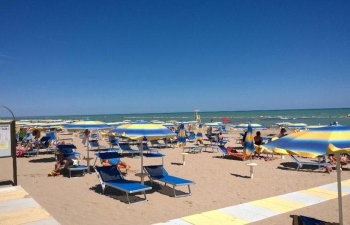 Spiaggia Bagni Hermes Torrette di Fano