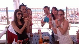aperitivo in stabilimento balneare Bagni Hermes a Torrette di Fano