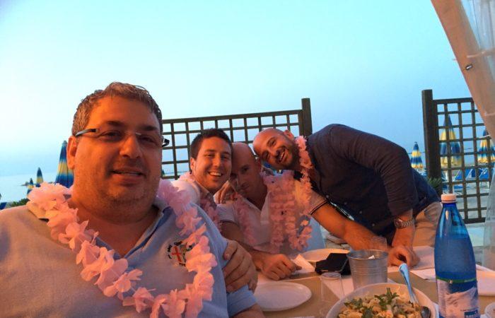 feste private con amici ai Bagni Hermes Torrette di Fano